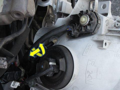 ポジションランプのバルブ交換(ノーマルバルブの取り外し)