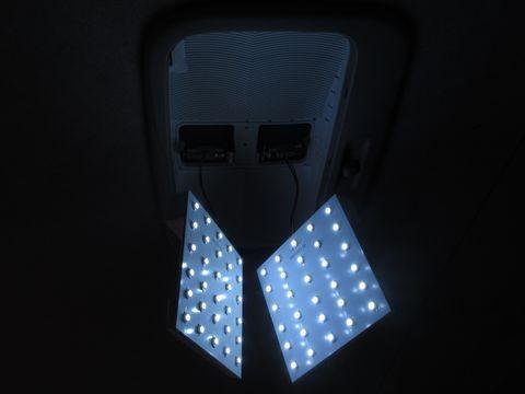 リアルームランプ(LEDパネルの点灯確認)