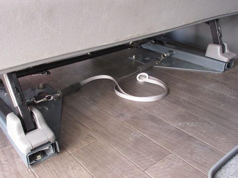 スライドレールのロックピン操作用紐