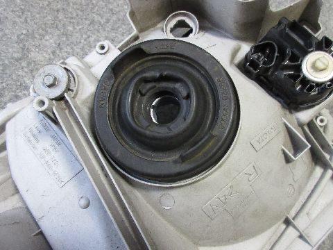 LEDヘッドライトバルブの取付け(防水ゴムカバーの取り付け)