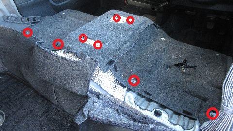 断熱材の取り付け(前席床面)
